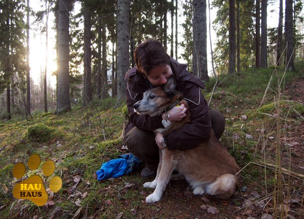 Joonan kanssa metsässä